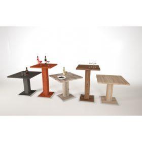 Bárszékek, asztalok